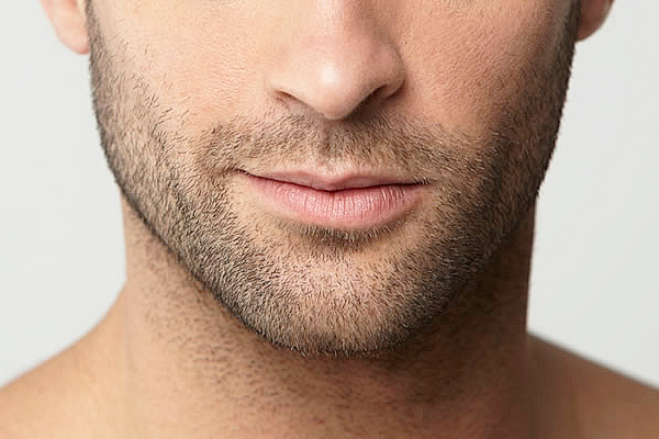 barba de pocos días